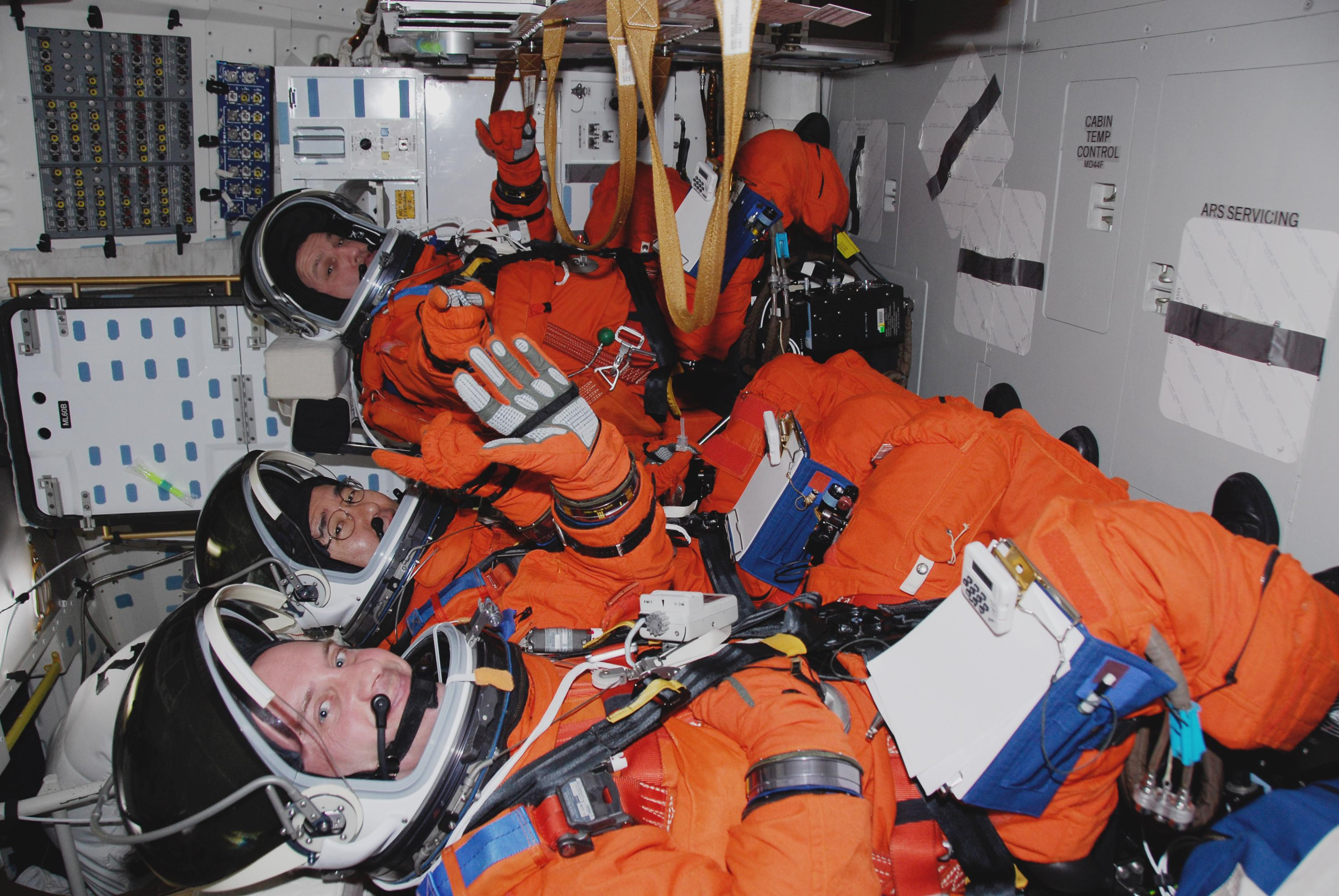 astronaut nasa sleep system zero gravity g force